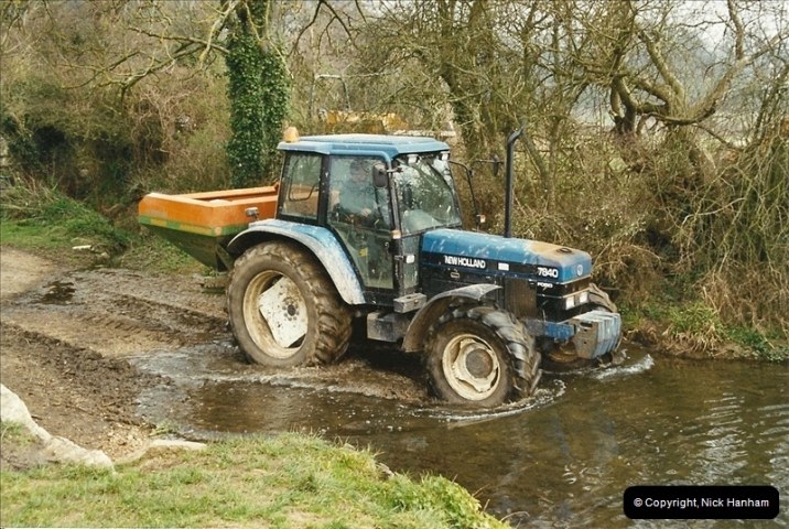 2003-03024 Near Wimborne, Dorset.  (1)440440