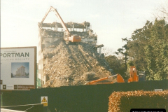 1999-02-15 Demolition of the Portman Building Society building in Bournemouth, Dorset. A new building for the society was to take its place (1)002002