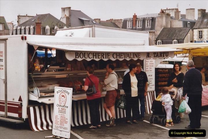 2002 July - France. (115)St. Paul De Leon. 115