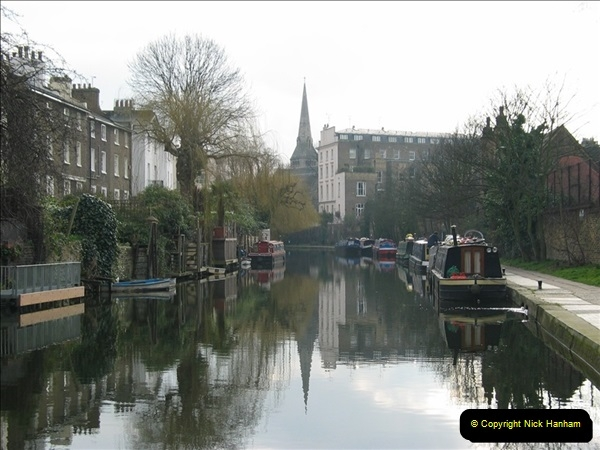 2005-03-10 The Regents Canal, Camden Town, London.  (1)001