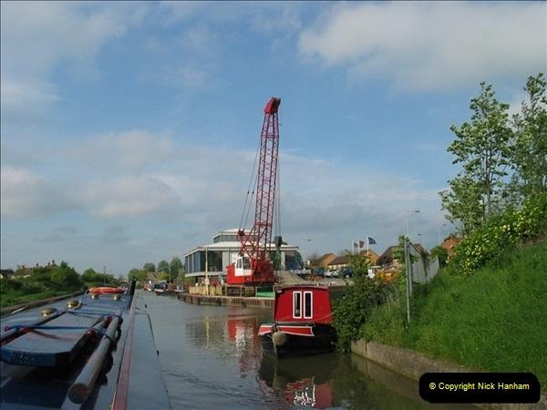 2005-05-05 On the Kennet & Avon Canal Between Bath & Trowbridge, Somerset.  (16)033