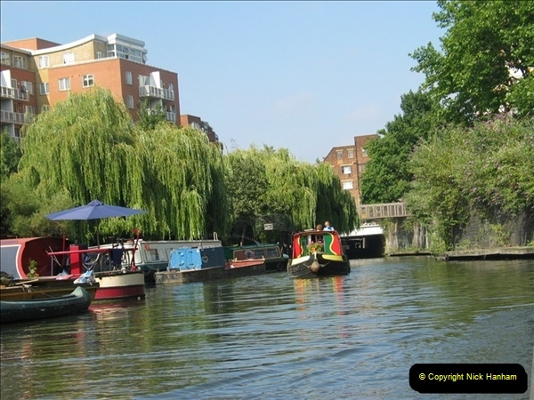 2005-07-21 The Regents Canal, Camden Town, London.  (16)090