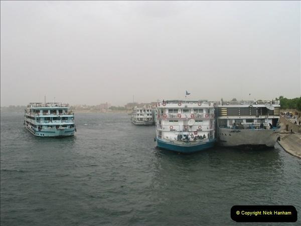 2006-05-09 Aswan & The River Nile, Egypt.  (6)148
