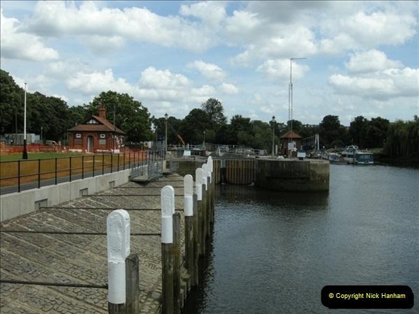 2008-06-26 Teddington Lock, Middlesex.  (13)561