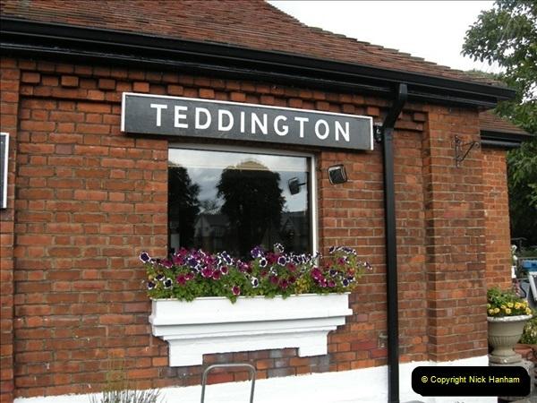 2008-08-19 Teddington Lock Plus New Gates Being Installed.  (13)576
