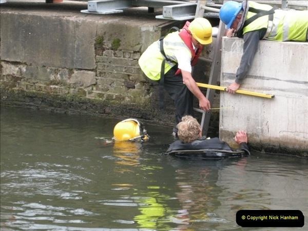 2008-08-19 Teddington Lock Plus New Gates Being Installed.  (5)568
