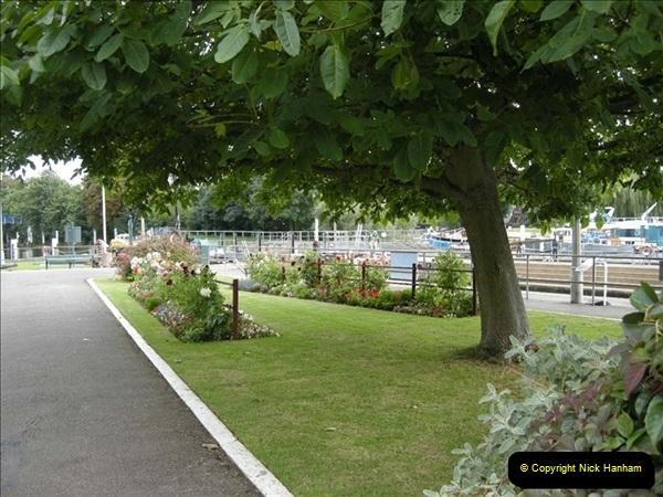 2008-08-19 Teddington Lock Plus New Gates Being Installed.  (9)572