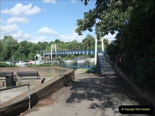 2009-07-30 Teddington Lock, Middlesex.  (1)595