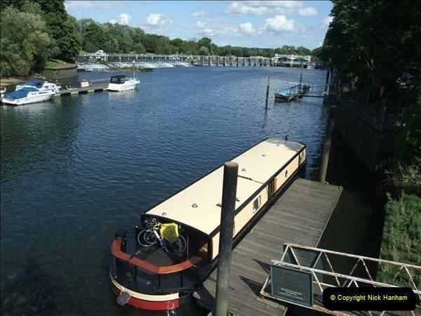2009-07-30 Teddington Lock, Middlesex.  (3)597