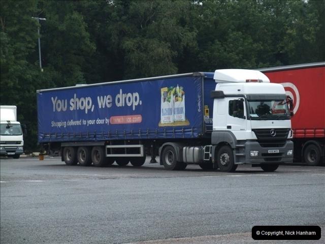 2010-08-17 Clacket Lane Services, M25 (1)523