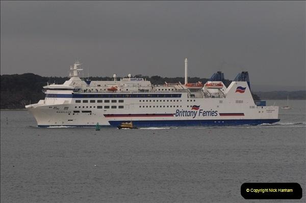 2011-02-28 The Barfleur Returns to Poole.  (10)010