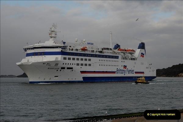 2011-02-28 The Barfleur Returns to Poole.  (13)013