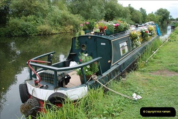 2011-08-06 The Lee Navigation, St. Margarets, Hertfordshire.  (54)250