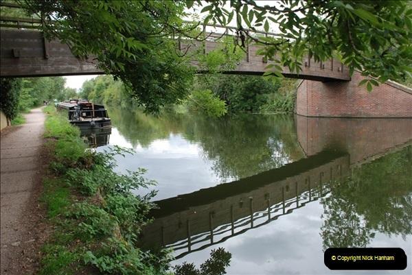 2011-08-06 The Lee Navigation, St. Margarets, Hertfordshire.  (55)251