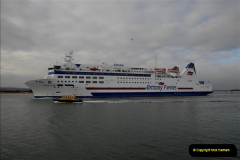 2011-02-28 The Barfleur Returns to Poole.  (17)017