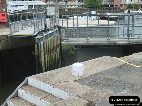 2016-06-18 Teddington Lock River Thames, Teddington, Middlesex.  (15)104