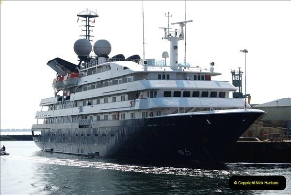 2018-09-03 BIG ships at Poole. (2)305