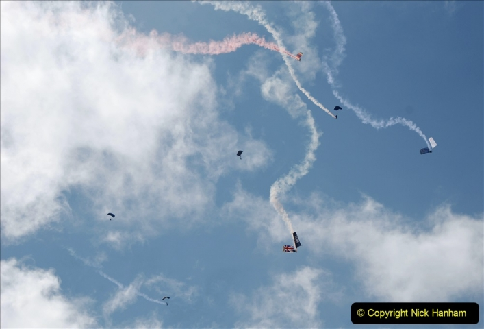 2019-08-30 Bournemouth Air Festival 2019. (19) Tigers Freefall Parachute Display Team. 019
