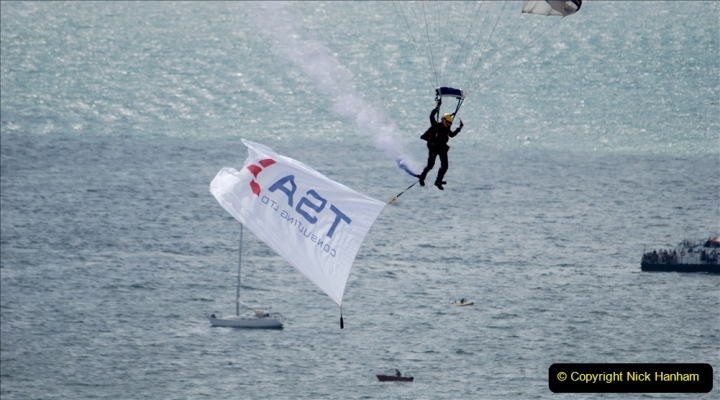 2019-08-30 Bournemouth Air Festival 2019. (26) Tigers Freefall Parachute Display Team. 026