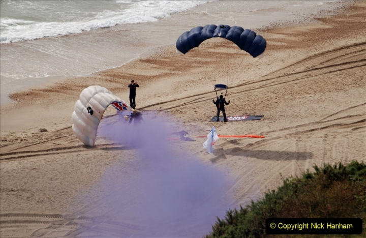 2019-08-30 Bournemouth Air Festival 2019. (27) Tigers Freefall Parachute Display Team. 027