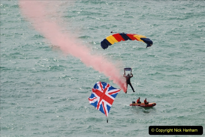2019-08-30 Bournemouth Air Festival 2019. (28) Tigers Freefall Parachute Display Team. 028