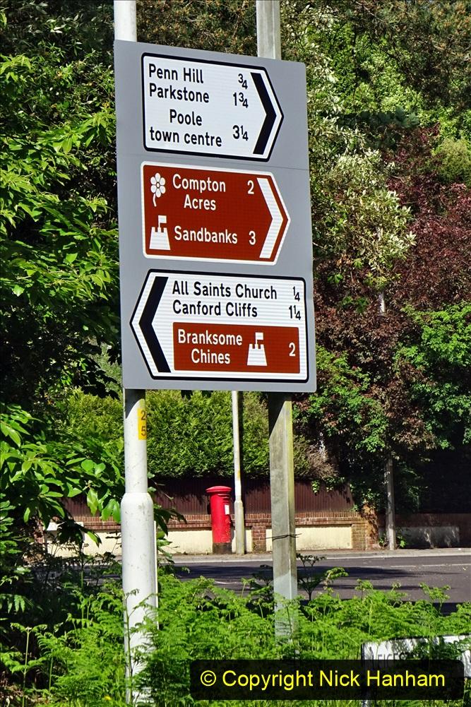 2020-05-28 Covid 19 Walk Branksome, Poole Dorset to Branksome Chine sea front. (72) 001