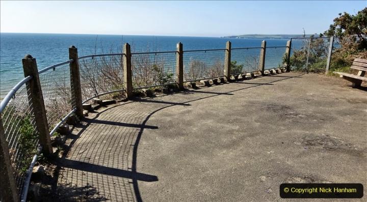 2020-05-28 Covid 19 Walk Branksome, Poole Dorset to Branksome Chine sea front. (43) 001