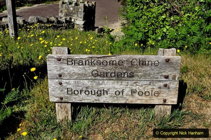 2020-05-28 Covid 19 Walk Branksome, Poole Dorset to Branksome Chine sea front. (56) 001