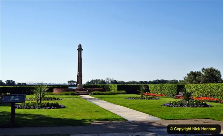 0012020-06-25 Covid 19 Walk Home-Poole Park-Poole Town-Poole Quay-Baiter-Home. (35) 035
