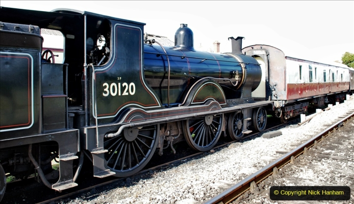 2020-07-18 First Steam Trains in Purbeck since Lockdown with U 31806. (5) 005