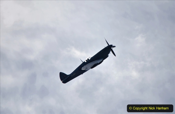 2020-08-01 Spitfire Tribute to NHS Staff @ 1520 Poole, Dorset. (17)
