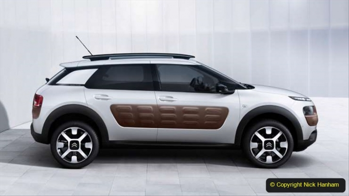 10 Citroen C4 Cactus 2014 still in production. 010