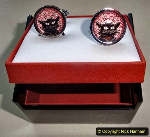 2020-10-15 A Cat Noir Collection. (16)