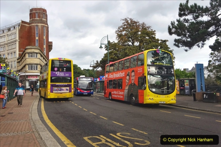 2020-09-09 More Yellow Buses Bournemouth Square. (29) 201