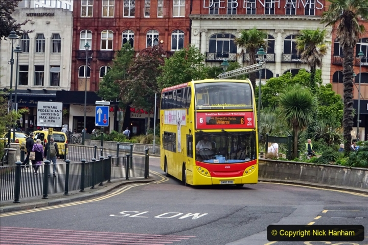 2020-09-09 More Yellow Buses Bournemouth Square. (8) 180