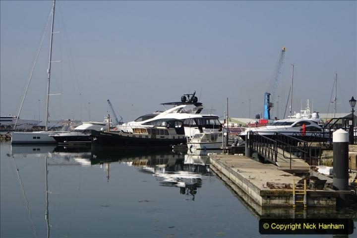 2020 May 09 Covid 19 Walk to Poole Dorset. (133) 133