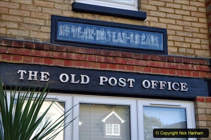 2020-01-01 Ex Lilliput PO in Lilliput Road, Poole, Dorset. (2) 02