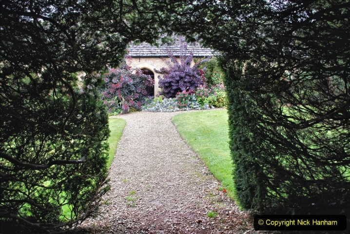 2020-09-30 Covid 19 Visit to Great Chalfield Manor & Gardens, Wiltshire. (121) 121
