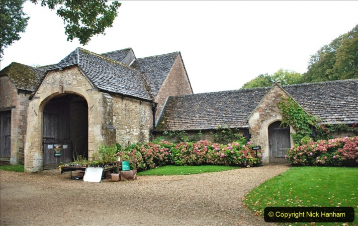 2020-09-30 Covid 19 Visit to Great Chalfield Manor & Gardens, Wiltshire. (7) 007