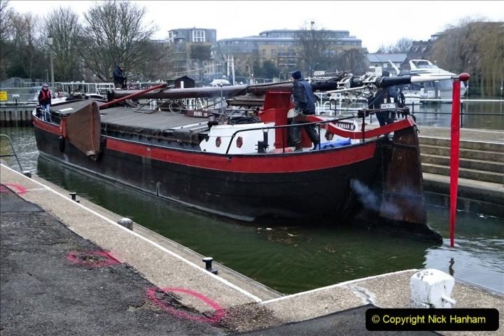 2020 02 25 Teddington Area of London (11) Teddington Lock 001