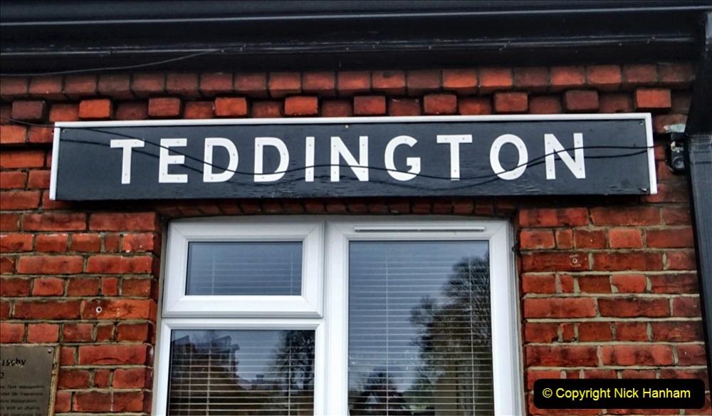 2020 02 25 Teddington Area of London (6) Teddington Lock 001