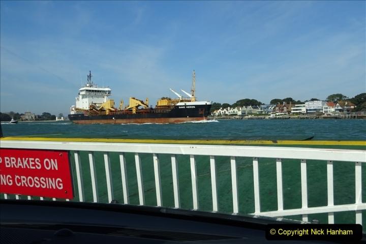 2020 03 23 Sandbanks Ferry crossing from Studland to Sandbanks and shipping (14) 076