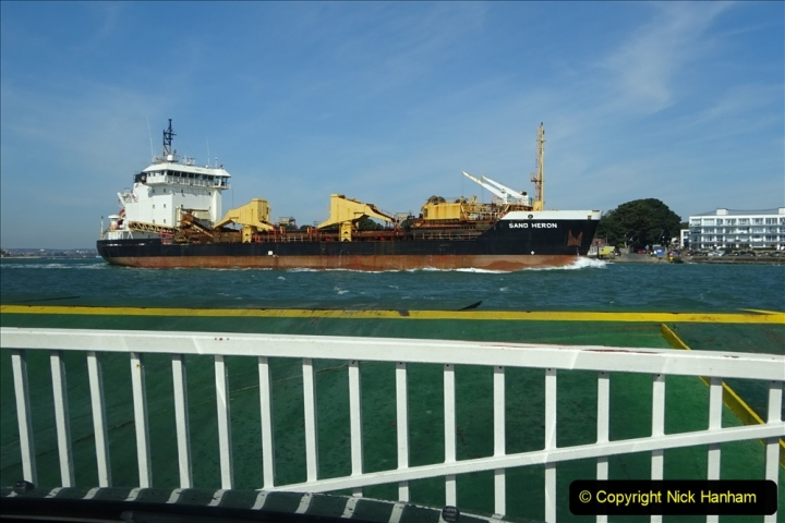 2020 03 23 Sandbanks Ferry crossing from Studland to Sandbanks and shipping (15) 076