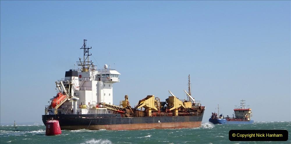 2020 03 23 Sandbanks Ferry crossing from Studland to Sandbanks and shipping (18) 076
