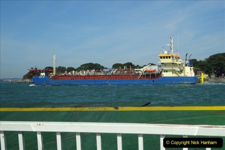 2020 03 23 Sandbanks Ferry crossing from Studland to Sandbanks and shipping (23) 076