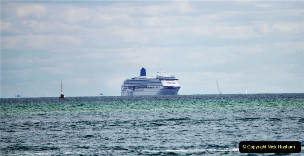 2020-07-11 Poole Bay. (2) P&O Aurora. 120