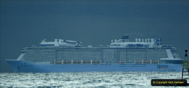 2020-11-27 Poole Bay. (2) Anthem of the Seas at early AM. 192
