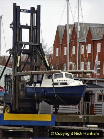 2020-12-14 Lymington, Hampshire. (8) Boat hoist. 206