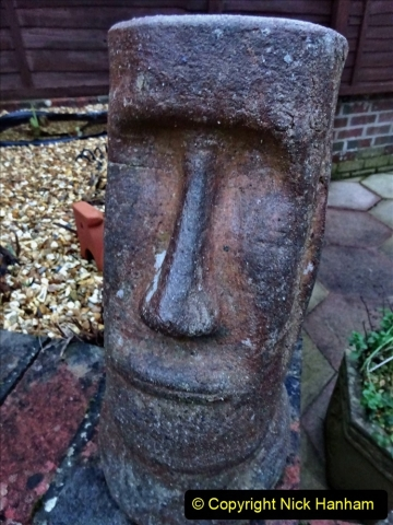 2021-01-01 Easter Island Men created between 1250 and 1500. (2) 011