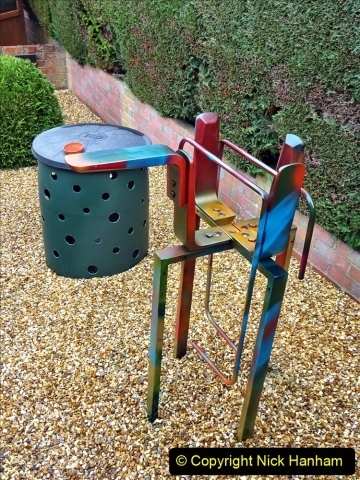 2021-01-04 Matrix 5929 Garden Metal Sculpture by Nick Hanham. (8) 032